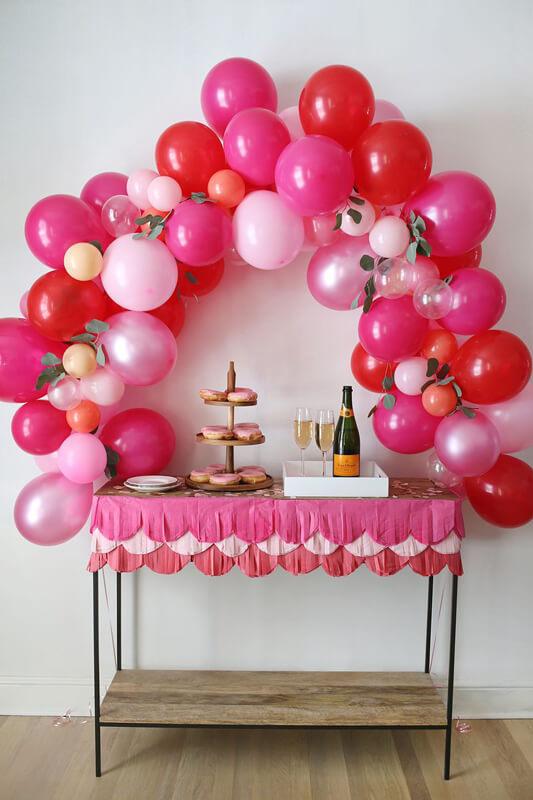 Addobbi di san valentino: palloncini - tavolo