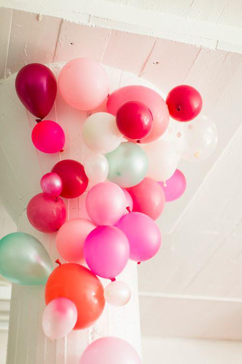 Decorazioni di San Valentino: angoli con palloncini