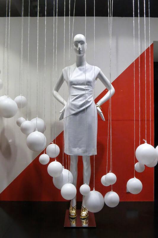 Vetrine San Valentino abbigliamento esempio 1