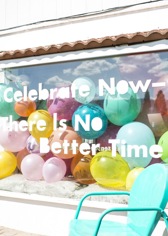 Decorazione vetrine estive - palloncini colorati